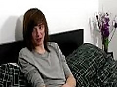 Huge cock gay memek perawan video video young hunks Luke Shaw calls Redding home,