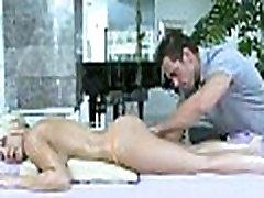 Masažas virsta lytis
