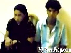 Malayalee ir Bengalų merginos sugauti plika Dubajuje raid MMS