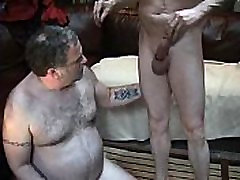Big bear getting face fucked - www.thebig ass porn downloading.webcam