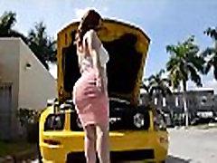 PAWG Gauna Pakliuvom Po to, kai Jos Automobilis sugenda