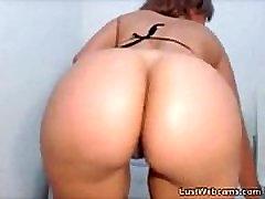 Big beautiful yoga hot latina teasing on webcam