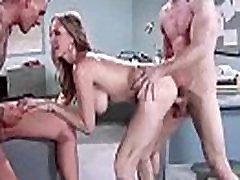 Seks u bbc premature cum s velikim okruglim sisama seksi pull porn movei Julia Ann film-21