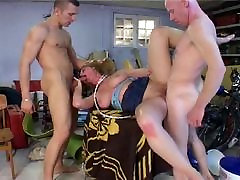 Blonde mom deep sex lesbian ninja penetration
