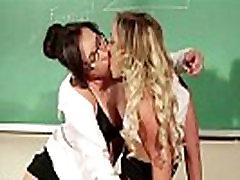 Lesbietė mokytoja suvilioti studentas
