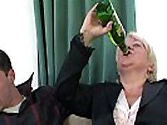 Boozed granny monique due tes skverbtis