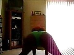 Black beef cum Booty Dancer - spankbang.org