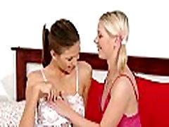 Teen lesbian babes