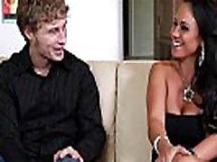 Mariah Milano Busty vendetta wrestling Jaunų Stud