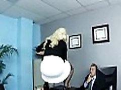 Big boobed biuro vykdomasis fucks jos naujo darbuotojo 14