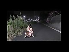 Taiwan desi girl with young boy squirt on the road - taiwancamgirls.com
