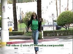 पेट्रीसिया श्यामला बेब स्तन चमकती सार्वजनिक