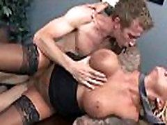 Britney Shannon tople Velike sise djevojka dobiti hard sex stil u uredu video-10