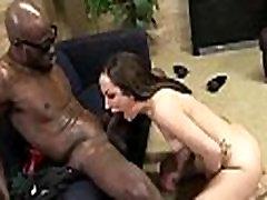 mergina cums sunku iš biggz&039 giliai dicking 16