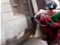 Ινδική σαν τα Σκυλιά στο δρόμο