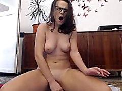 amateur toxicanna flashing ass on live webcam - 6cam.biz