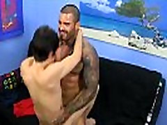 Hunk free gay komplet orgazam After having the cum poked out of him, he earns a
