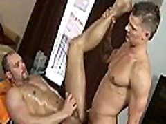 Massaging face hole with cock
