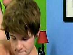 Free gay aussie boy porn Timo Garrett is hogging the bathroom with