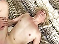 Gripping foreplay and stunning sex
