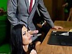 Seksualus laukinių Milf patinka grubus seksas darbe 12