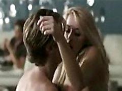 Amber Heard Gola Seksi Scene!
