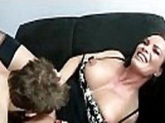 Drolja Bigtits uredu djevojku učiniti Pušenje na video-13 Кэм