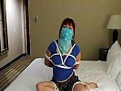 Azijske dekle zavezuje pantie in šal gag Video - 626626 - MyVid