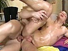 Homo male massages