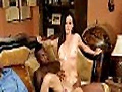 Mama padeda hot sex jav liseli žiūrėti, kaip jos gauti pakliuvom didelis juodas gaidys 486