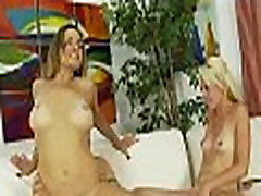 Mom and daughter threesome 0394