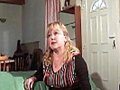 Petite grosse mature sodomisee et fistee par son mari