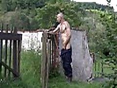 Older man eats son&039s GF pussy in the fields