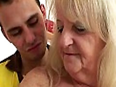 Blonde old seachraping teachers rides young dick