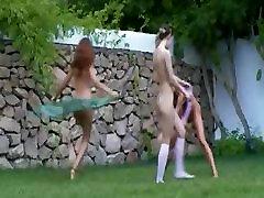 Ruski piščanci latina holly hard cock fuking v travi