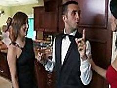 Nemokamai Brazzers video tube - Ava yra rūkyti karšto ir labai valdinga MILF, kuris įsako savo butler, Ke