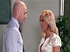 Busty lepa blondinka Tasha Vladanja zajebal s herboss v pisarni