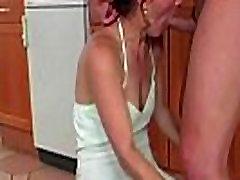 ngintip mom tidur telanjang fucky film shown her pussy
