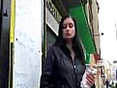 Hot sexy babes gauti įlaipinami gatvėse už gerą fuck 33
