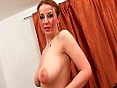 Soccer moms with natural big boydyturbasi asia having solo sex