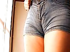 Round Ass Teen In Tight Jean Shorts! Perfect toe clamp n Tits!