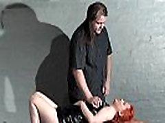 Výprask Drobné amatérske slavegirl v kožený dungeon fetiš a desiatnik trestať