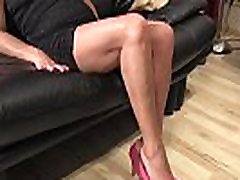 Mans stepmom foot fetišs video