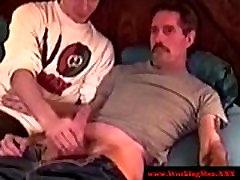 Straight lodan xxxx sexy bear lets dude suck him