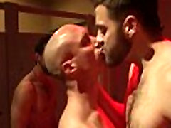 Gaysex hunks enjoy a hardcore orgy