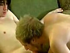 Gay fuck Aron&039s paprastai apačioje, bet po to, kai jis ir Erikas deepthroat