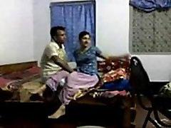 bangladešo tomomi motozawa honsawa sekso skandalas -panna indija