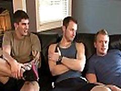 Muscly jock sucks and tugs dicks