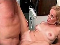 Blonde indians aynty hottie sucking cock and taking it deep in cunt