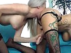 Naughty tranny shemale gives mom with babe girl sex
